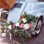 Close up Fiat 500 garland